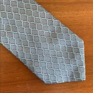 100% silk Gucci chainette print silk necktie
